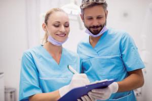 mensen met schulden moeten naar de tandarts kunnen blijven gaan